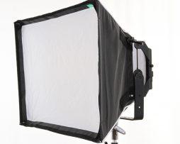 cineo-lighting-maverick-softbox